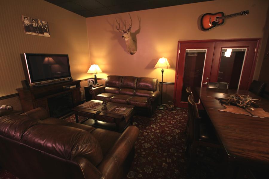 Western-Lounge-1